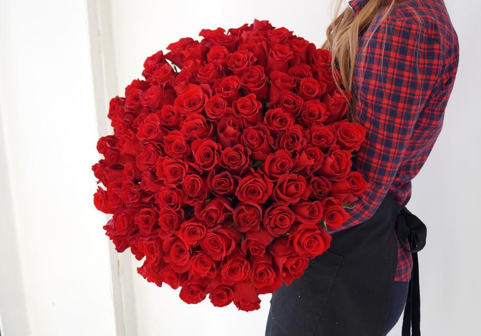 Букет из красных роз, красивый букет, большой букет