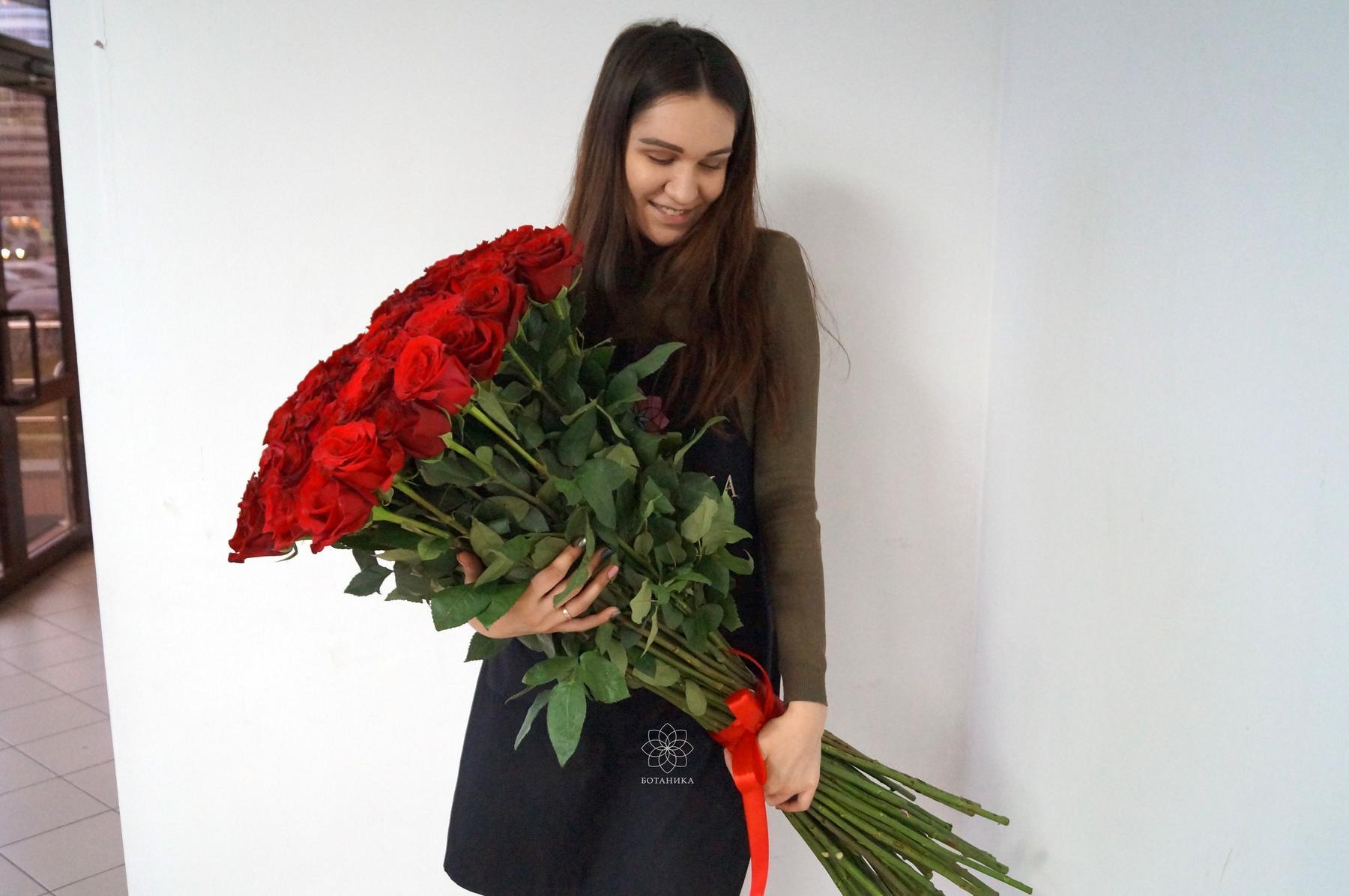 Букет из метровых роз