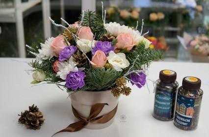 Новогодние цветы и букеты