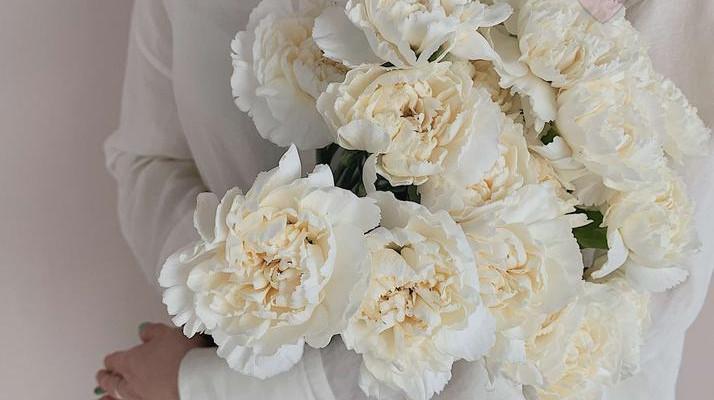Весенние цветы - букет из каких цветов уместно дарить весной
