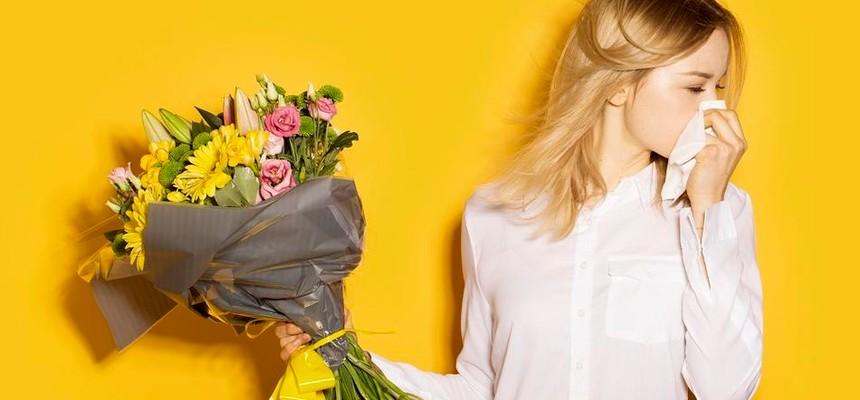 Букет для аллергика - какие цветы можно дарить?