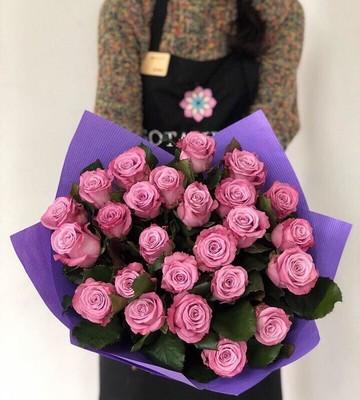Букет на выписку из нежных роз