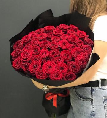 Букет из 51 розы Ред Наоми