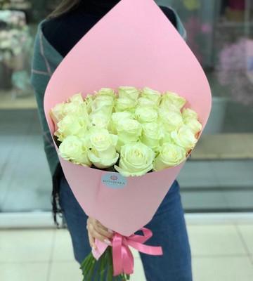 Белоснежные розы для ангелочка