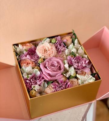 Уникальная коробка с цветами
