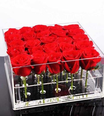 21 роза в боксе