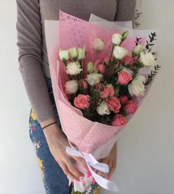 Букет очарование с розой и эустомой