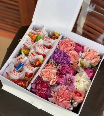 Цветочная коробка Love is