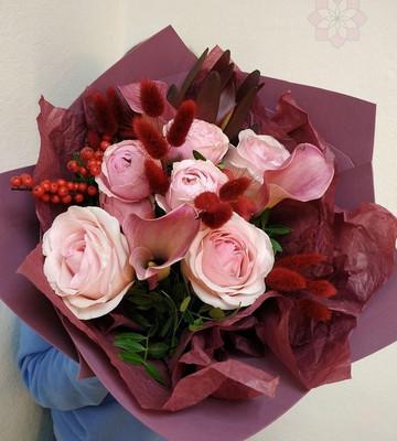 Букет эксклюзивный с калами и розами