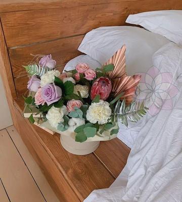 Цветы в коробке на 14 февраля