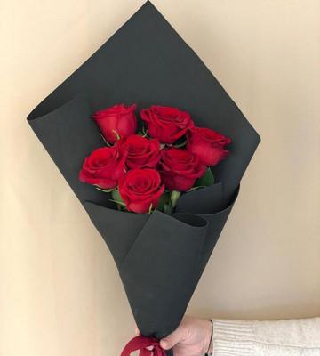 Стильный букет роз