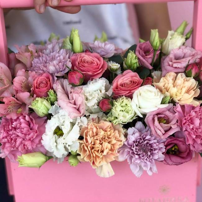 Купить Фирменный ящик с цветами
