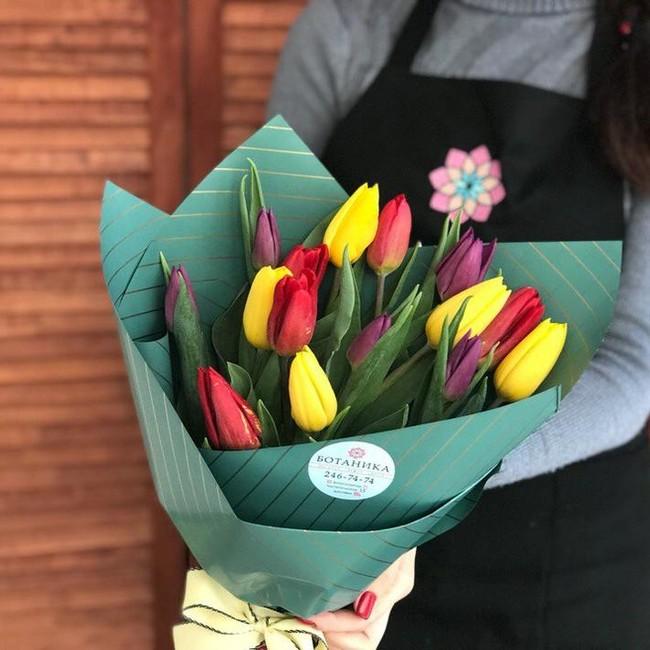 Букет из 15 тюльпанов микс - вид 1