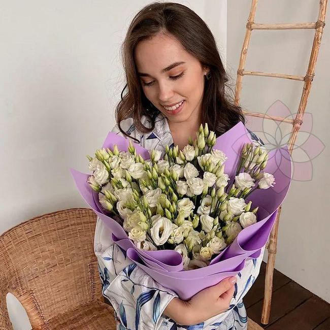 Белоснежные цветы на 14 февраля - вид 1
