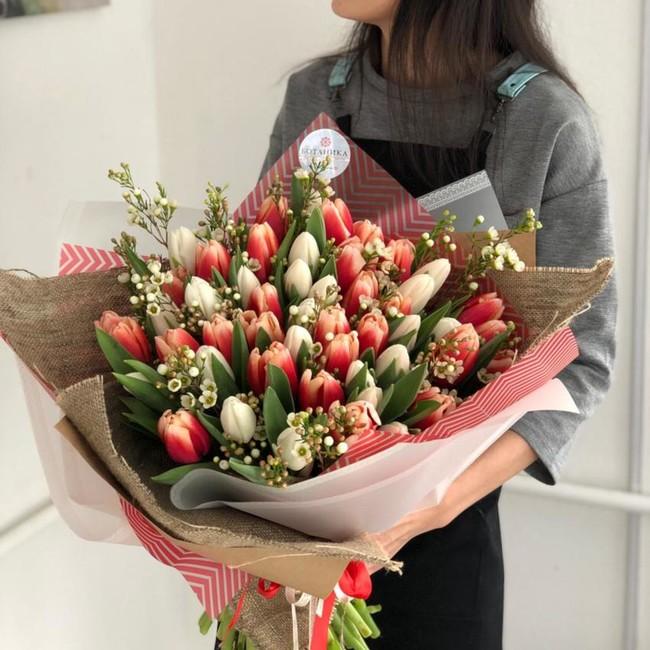Букет из 51 тюльпана - вид 1