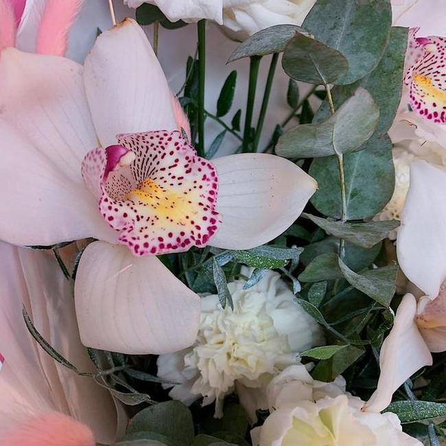 Букет с орхидеями на день матери