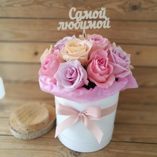 Цветы в шляпной коробке Букет Казани