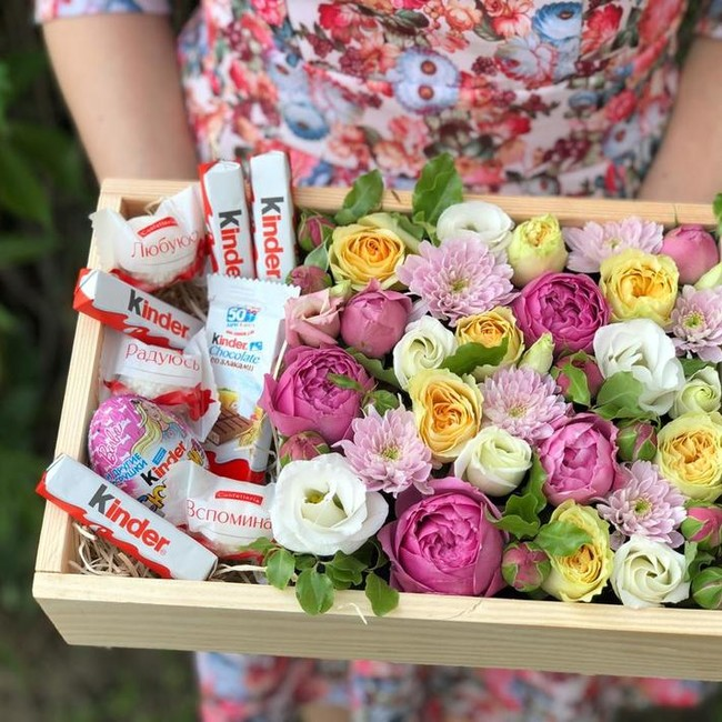 Цветочный ящик со сладостями
