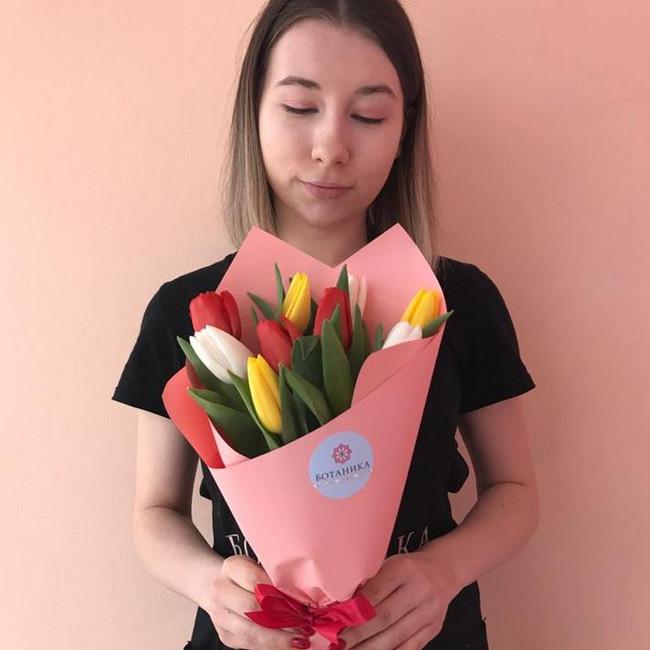 Букеты по 9 тюльпанов для коллег - вид 1