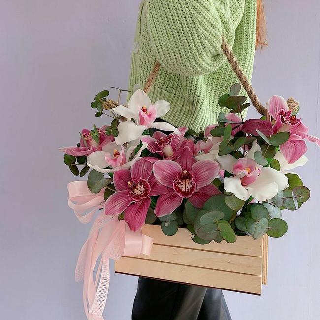 Купить Фирменный ящик с цветами - вид 1