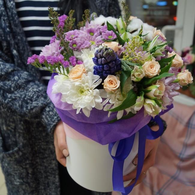 Цветы в шляпных коробках. Композиция Расцвет красоты. Магазин свежих цветов Ботаника - вид 1