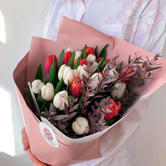 Букет цветов на 8 марта маме