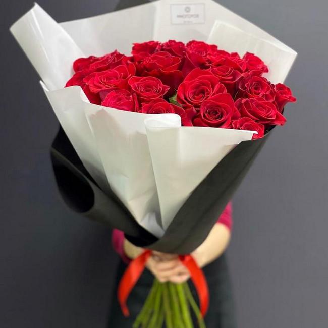 Букет из 25 высоких красных роз - вид 1