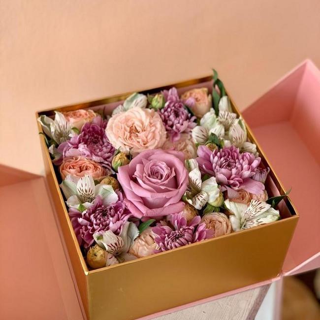 Уникальная коробка с цветами - вид 1