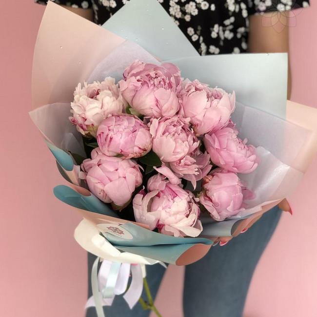 Букет из 9 розовых пионов - вид 1