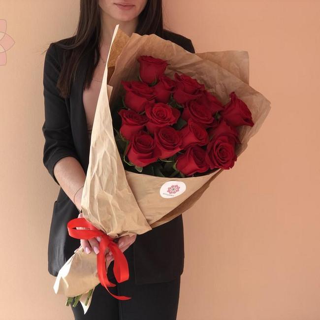 Эквадорские розы в крафте - вид 1