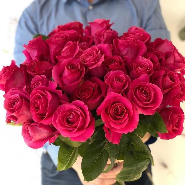 Розовые розы с крупным бутоном (штучно) - вид 1