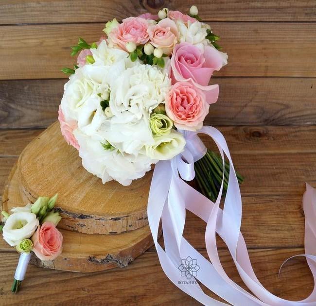 Букет невесты Джульетта с кустовыми розами и эустомами - вид 1