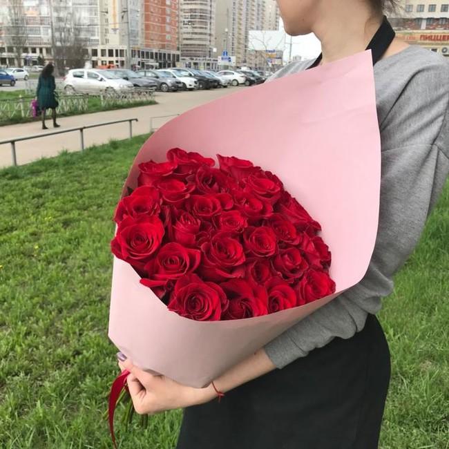 Букет из красных роз - вид 1