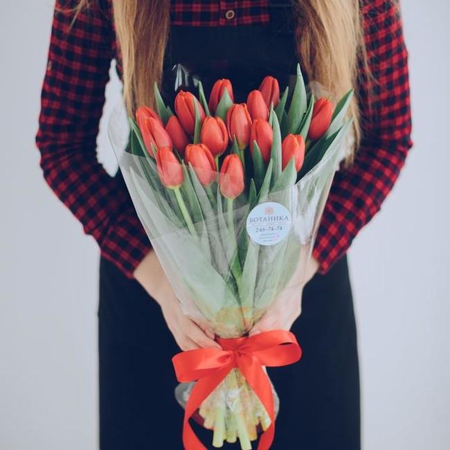 Букет из 15 красных тюльпанов - вид 1