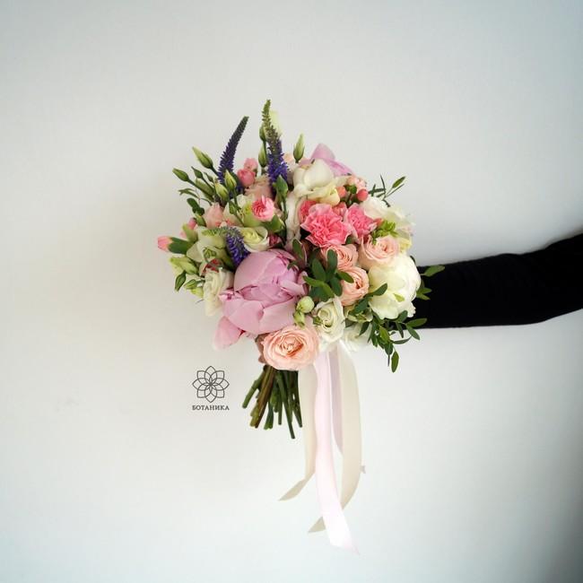 Букет невесты в нежных тонах - вид 1