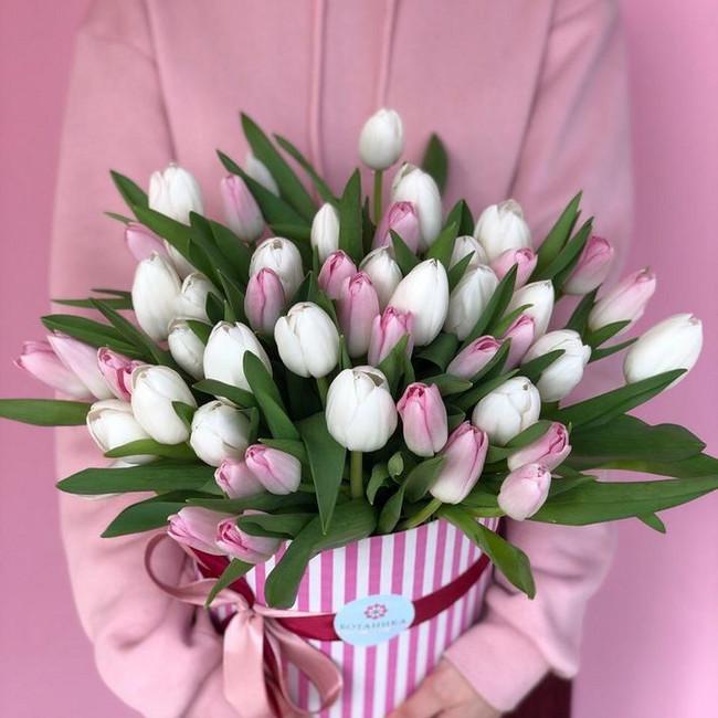51 Тюльпан в шляпной коробке - вид 1