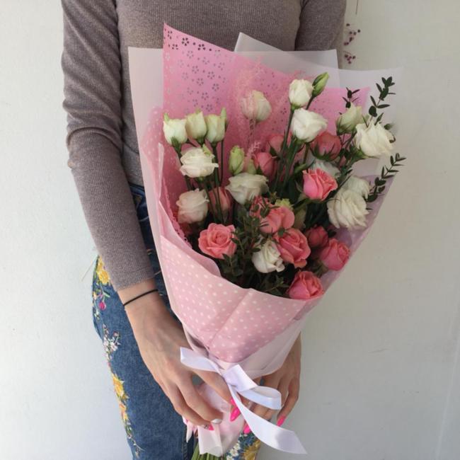 Букет очарование с розой и эустомой - вид 1