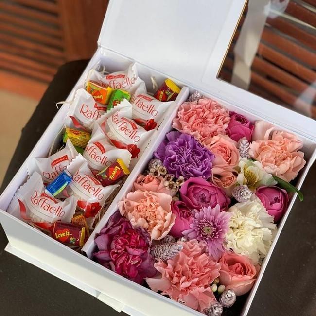 Цветочная коробка Love is - вид 1