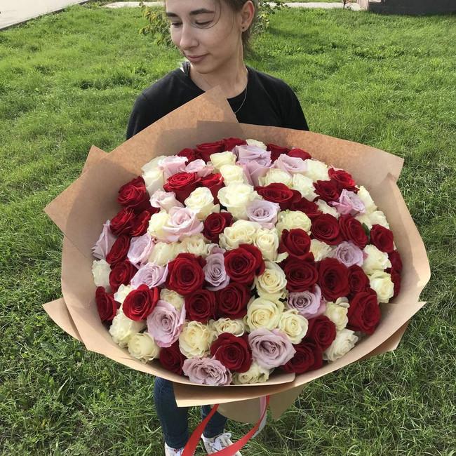 Букет огромный с розами - вид 1