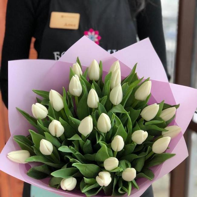 Букет из 25 белых тюльпанов - вид 1