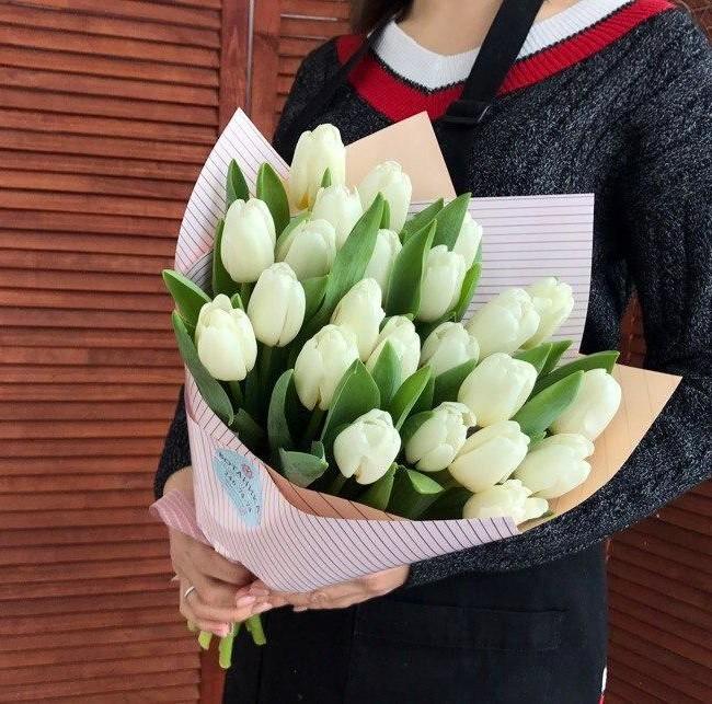 Букет из белых тюльпанов - вид 1