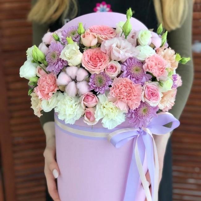 Цветы в шляпной коробке - вид 1