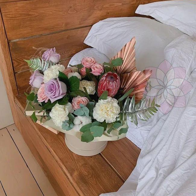 Цветы в коробке на 14 февраля - вид 1