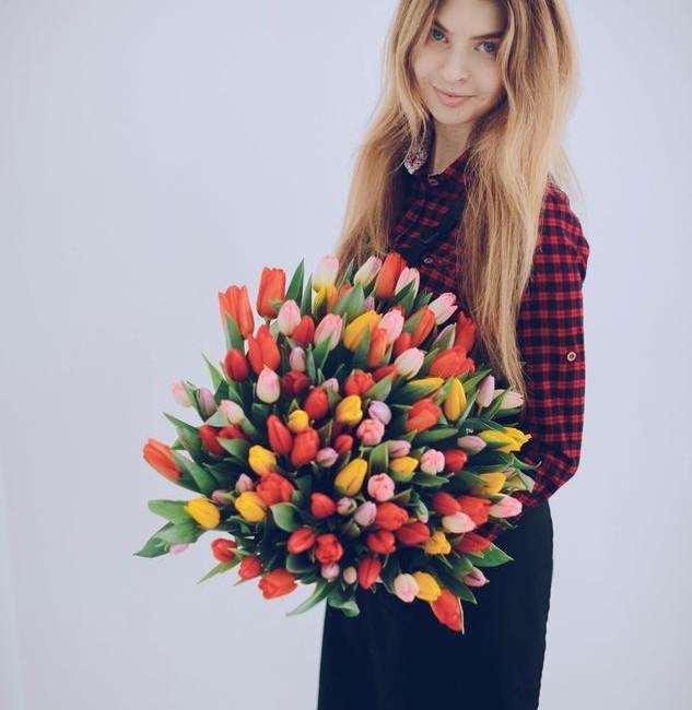 Букет из 101 тюльпанов микс