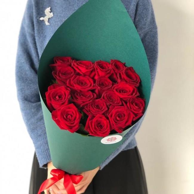 17 роз 70 см с крупным бутоном - вид 1