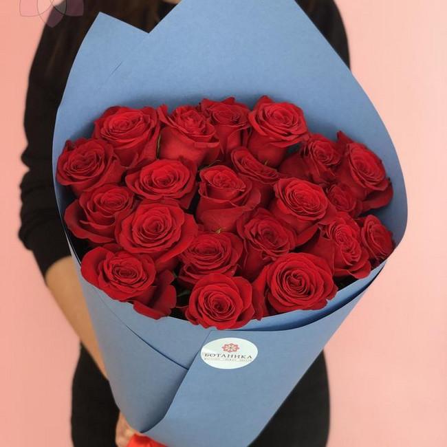 Букет из 21 эквадорской розы 60см