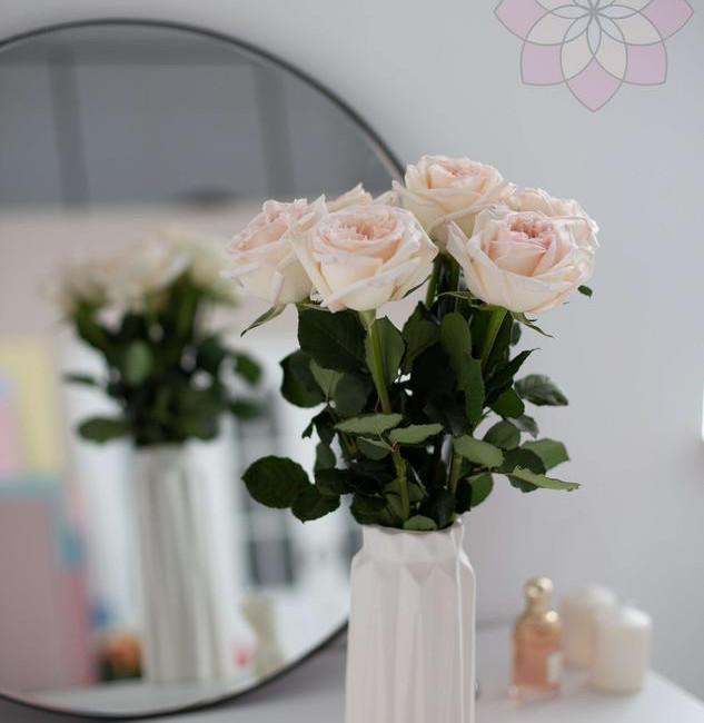Ежемесячная доставка цветов