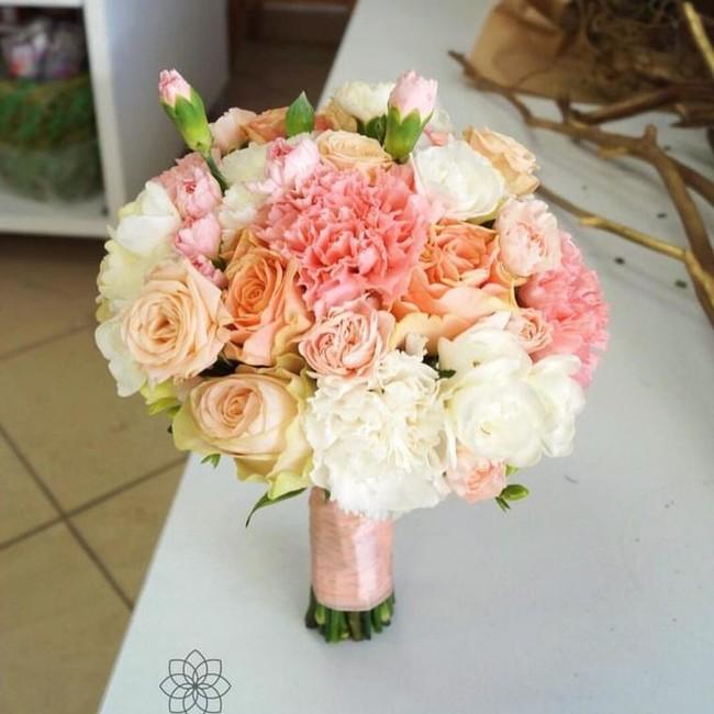 Букет невесты с Розой и Диантусом - вид 1