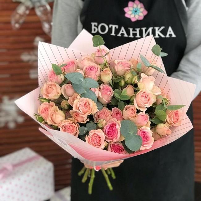 Букет из кустовых роз - вид 1